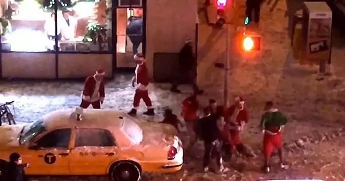Video: los Santa Claus que se fueron a las trompadas