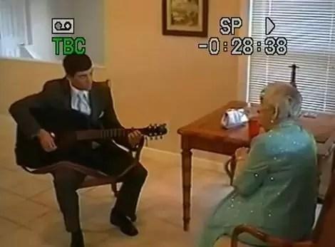 EEUU: Joven llevó a su bisabuela como pareja al baile de promoción