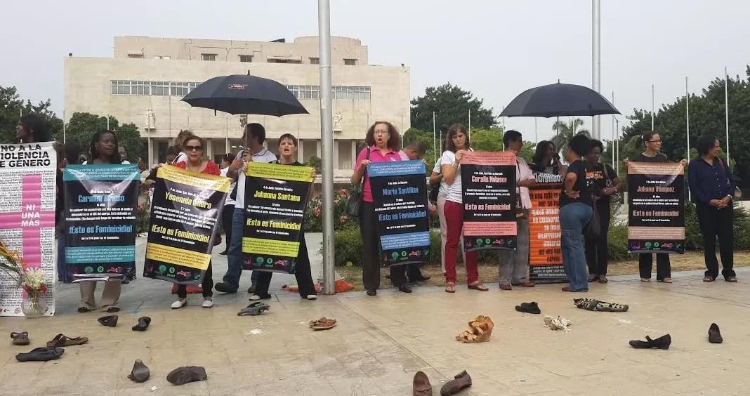 Mujeres dominicanas piden al Congreso castigo para los femenicidas