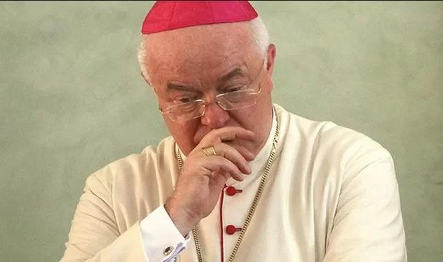 El Vaticano podría compensar víctimas de Wesolowski