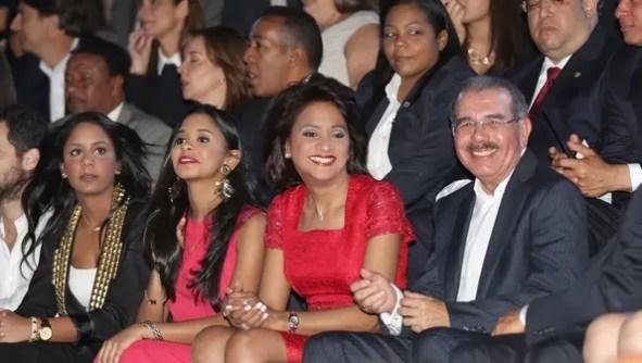 Danilo Medina con su familia