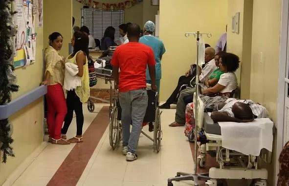Resultado de imagen para fotos desgarradoras en hospitales de RD.