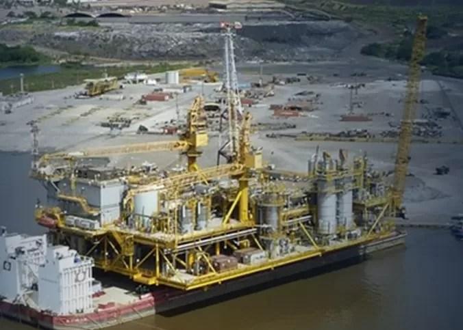 El petróleo cae por la fragilidad de los mercados asiáticos y la abundancia de oferta