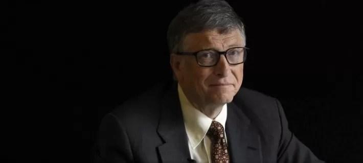 Bill Gates dejó Microsoft durante investigación por relación con una empleada