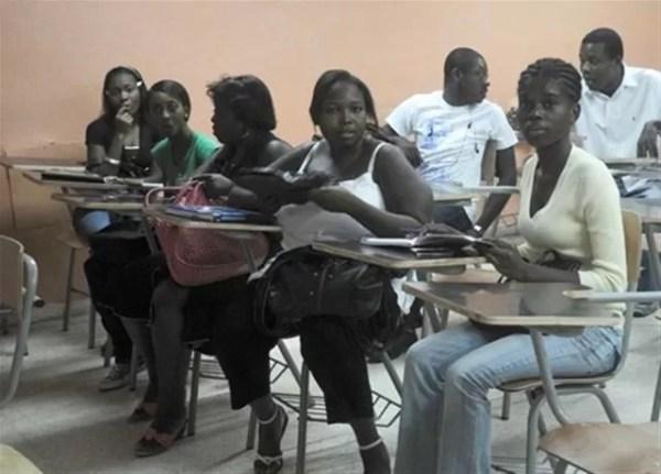 Estudiantes haitianos
