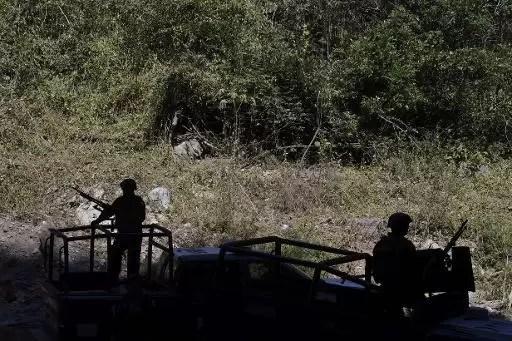 Operación policial en el estadio mexicano de Michoacán, el 2 de marzo de 2015 (AFP/Archivos | Algredo Estrella)