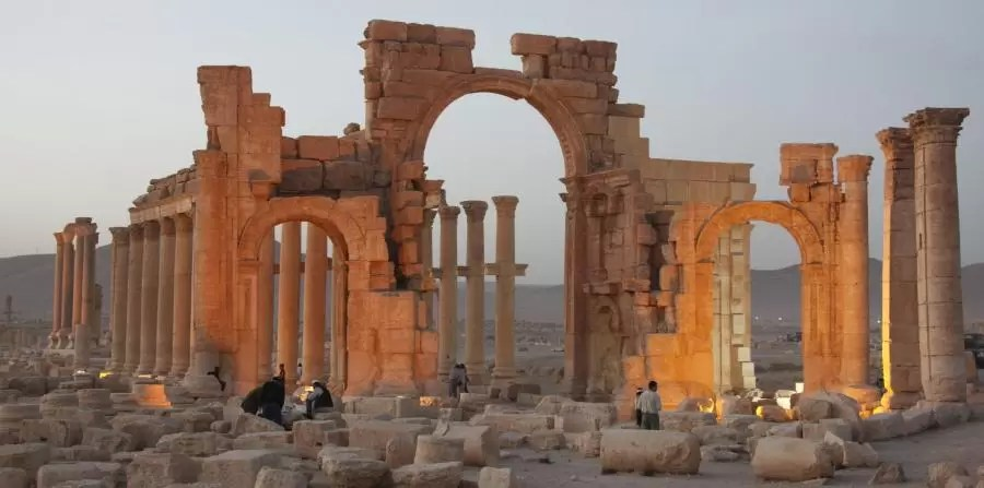 """UNESCO manifestó """"profunda preocupación"""" por los tesoros arqueológicos en la ciudad de Palmira, Siria, capturada por los extremistas en mayo. (Agencia EFE)"""