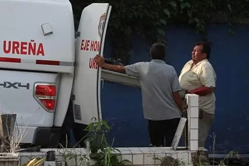 Una ambulancia en una morgue en San Cristóbal, Venezuela el 6 de mayo de 2015 (AFP/Archivos | George Castellano)