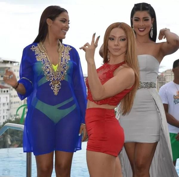 Cuerpos Hot Materialista; Nabila y Sarodj