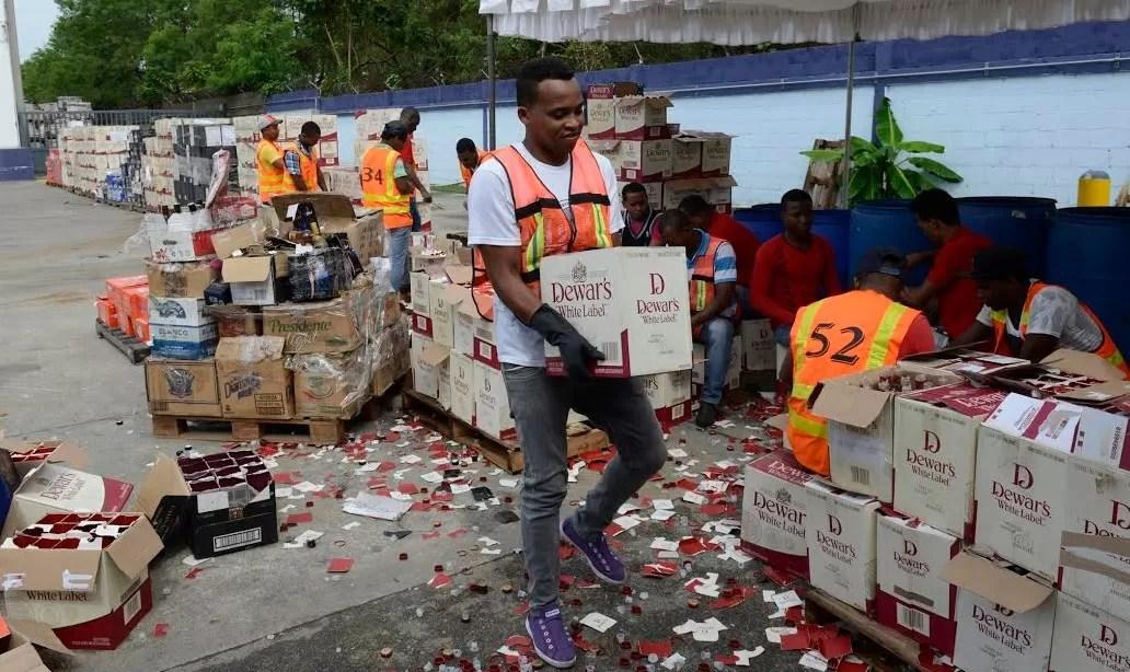 La DGA destruye cigarrillos y bebidas por un valor de 67 millones de pesos