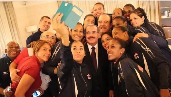 Danilo Medina  dice triunfo selección voleibol nos llena de orgullo