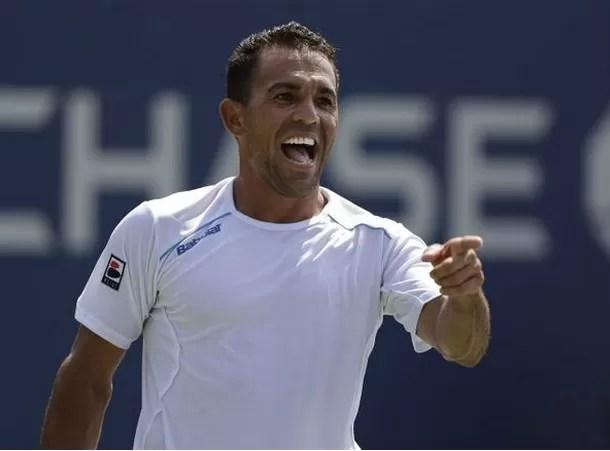 Tenista dominicano Víctor Estrella ocupa el puesto 56 de la clasificación mundial