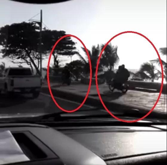 Tenga cuidado,  los motoristas ahora corren por la acera del Malecón