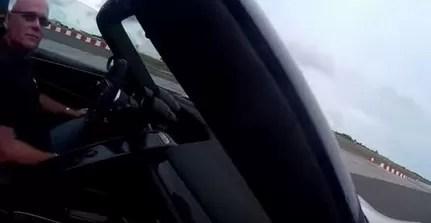 Video: millonario pierde el control de su Porsche de lujo y atropella a 26 personas