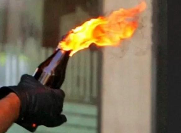 Menor lanzan  bomba molotov en liceo de Jarabacoa