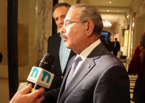 Danilo Medina paris