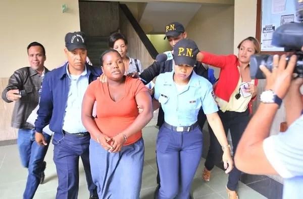 Envían a prisión madre de niño maltratado
