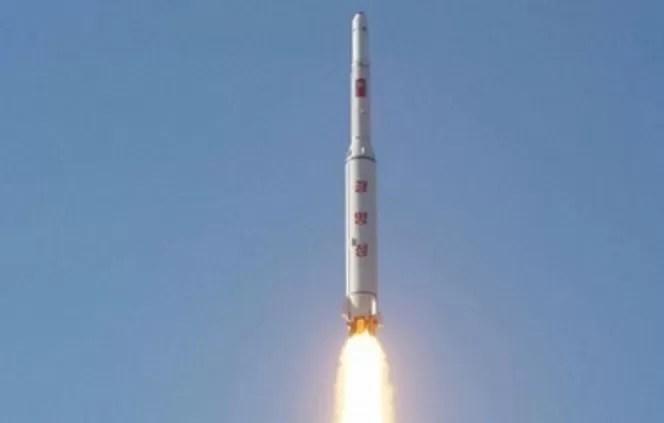 Condena internacional al lanzamiento norcoreano de cohete de largo alcance