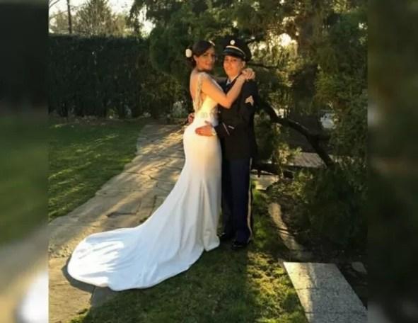 Frenny con su mujer