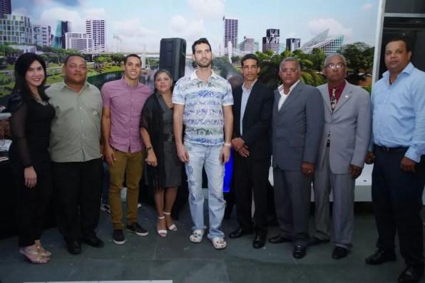 Karim y su equipo de trabajo