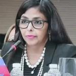 """Venezuela denuncia """"bloqueo"""" de USD 10 millones destinados a pago de vacunas"""