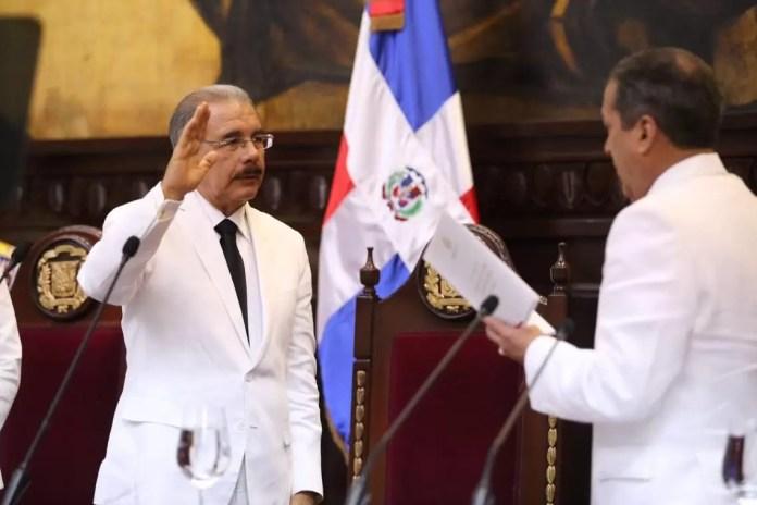 Danilo Medina jura
