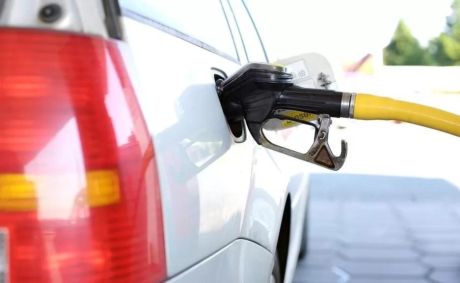 Industria y Comercio aumenta 4 pesos al Gasoil Óptimo y la Gasolina Premium