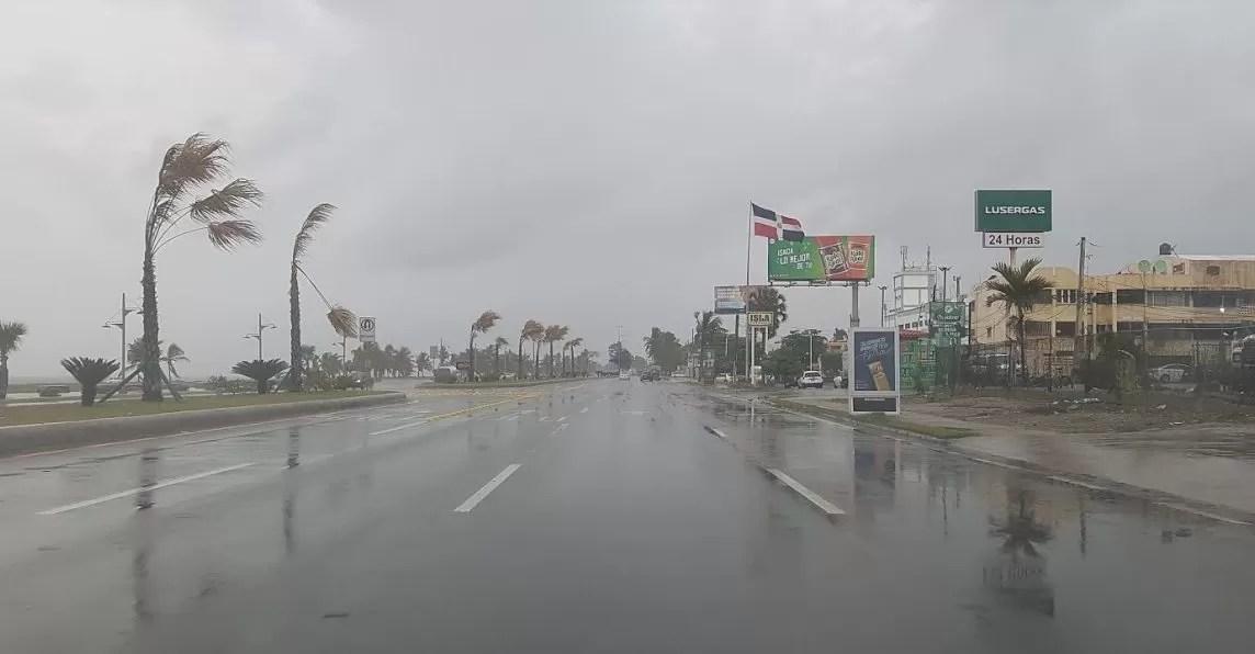 Vaguada mantendrá los aguaceros y tormentas eléctricas este viernes