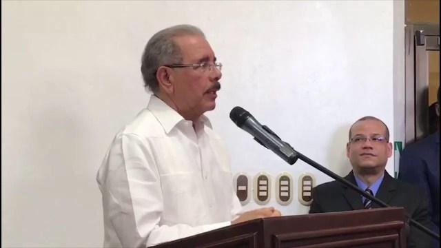 Abogado explica por qué Danilo Medina no puede reelegirse