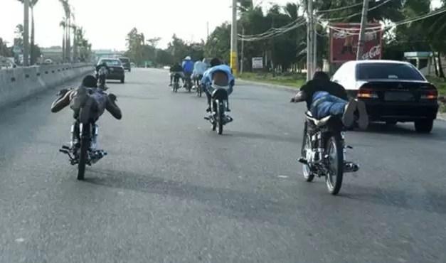 Se reporta la muerte de tres jóvenes que competían en carrera de motores