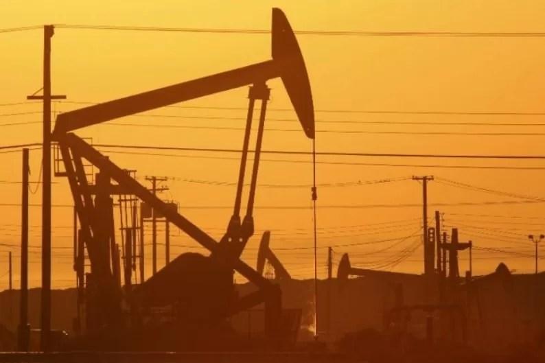 El petróleo vuelve a subir impulsado por datos de reservas en EEUU