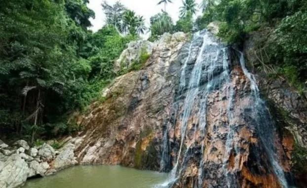 Un turista francés muere al hacerse una selfie en una cascada en Tailandia