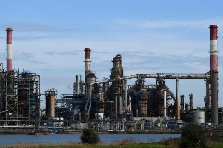 Reservas de crudo en EEUU bajan en 400.000 barriles, menos de lo esperado
