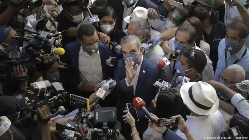 ¿Sucumbirá Luis Abinader a las tentaciones populistas?