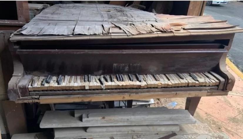Así dejó el pasado ministro de Cultura el piano donde se compuso el Himno Nacional