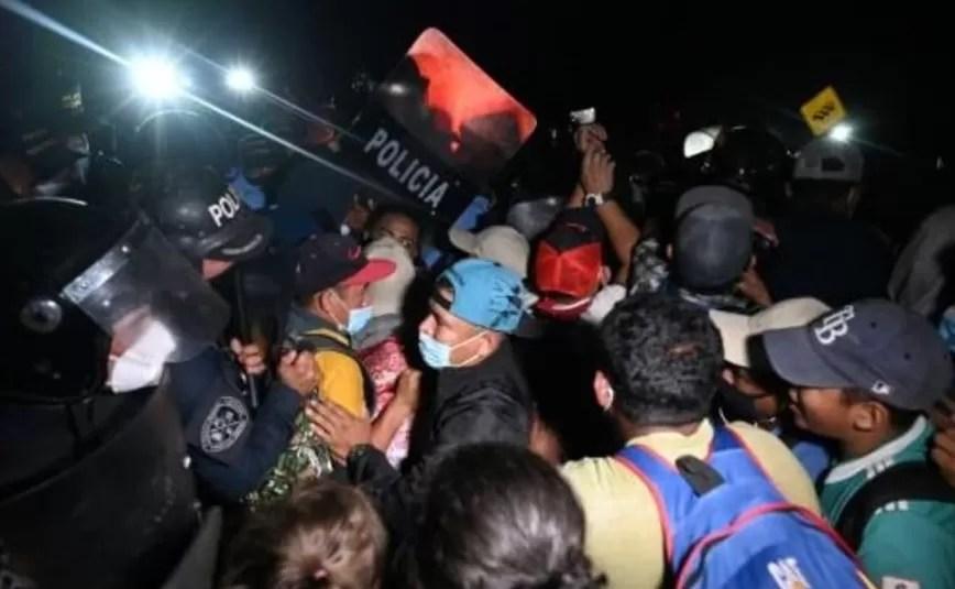 "Guatemala prohíbe protestas opositoras porque ""alborotan"" la pandemia"