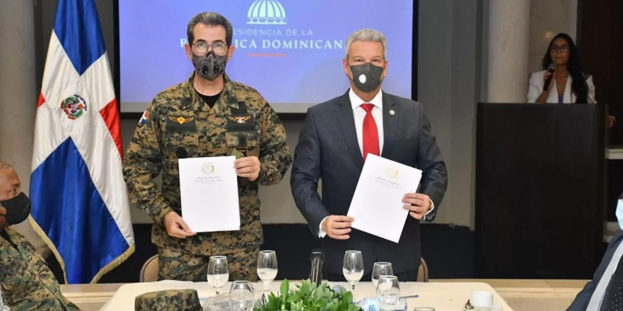 Firman acuerdo para incluir militares al Plan Nacional de Viviendas Familia Feliz