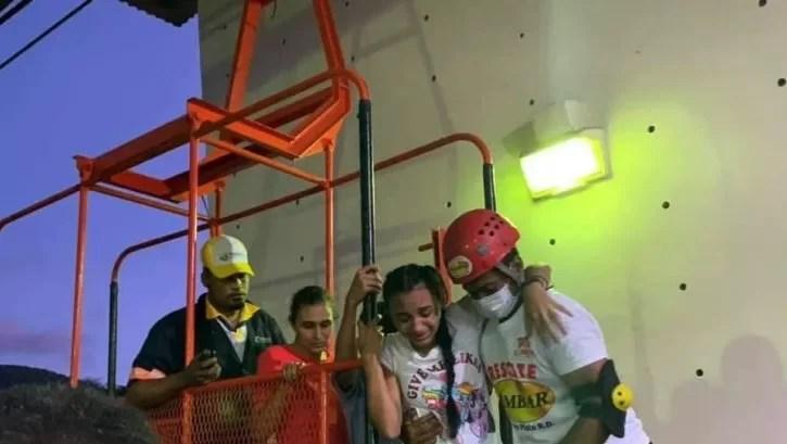 Concluye el rescate de las personas atrapadas en teleférico de Puerto Plata