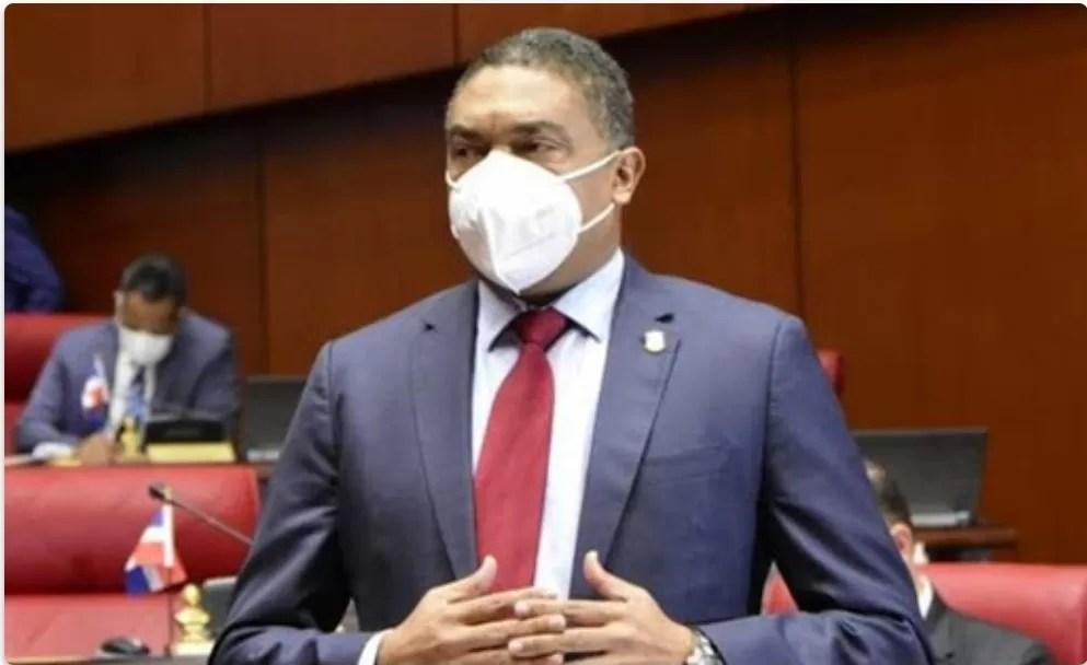 Yván Lorenzo pide al Senado que investigue fondos de publicidad del DICOM