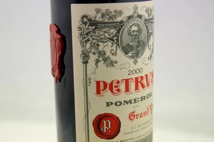 Un millón de dólares es el precio de un vino Petrus añejado en el espacio