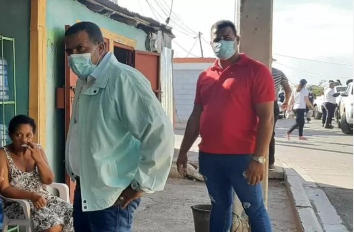 Pedernales- Porque Abinader va, distribuyen raciones alimenticias antes de su llegada