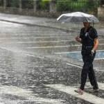 ¡No olvides el paraguas! Continuarán aguaceros este martes