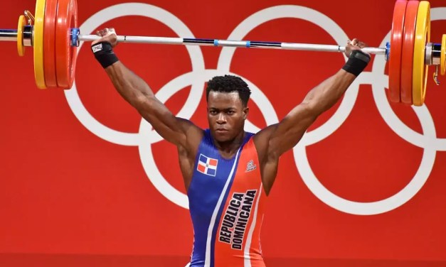 Zacarías Bonnat con medalla histórica para República Dominicana
