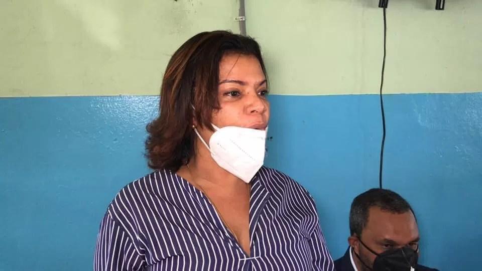Denuncian Gobernadora Monte Plata no da beneficios otorgados por Gobierno al municipio de Bayaguana