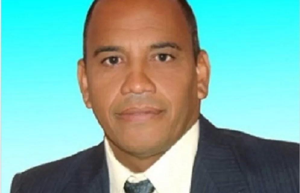 Fallece periodista tras sufrir un infarto en el baño de su casa