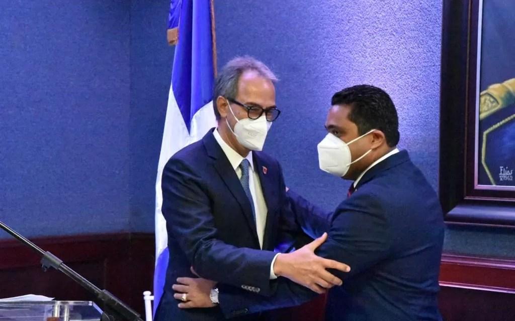 Ayuntamiento de La Vega reconoce al José Mármol como hijo meritísimo