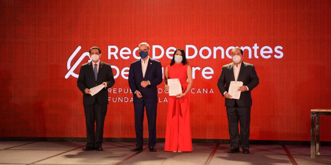 Lorenny Solano lanza la Red de Donantes de Sangre