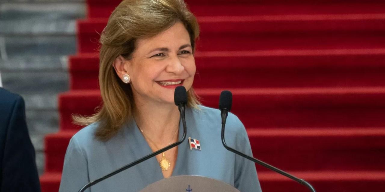 La vicepresidenta Raquel Peña cumple hoy sus 55 años