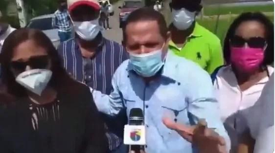 """Diputado propone construirle una estatua al """"gran mega ministro"""" de Obras Públicas"""