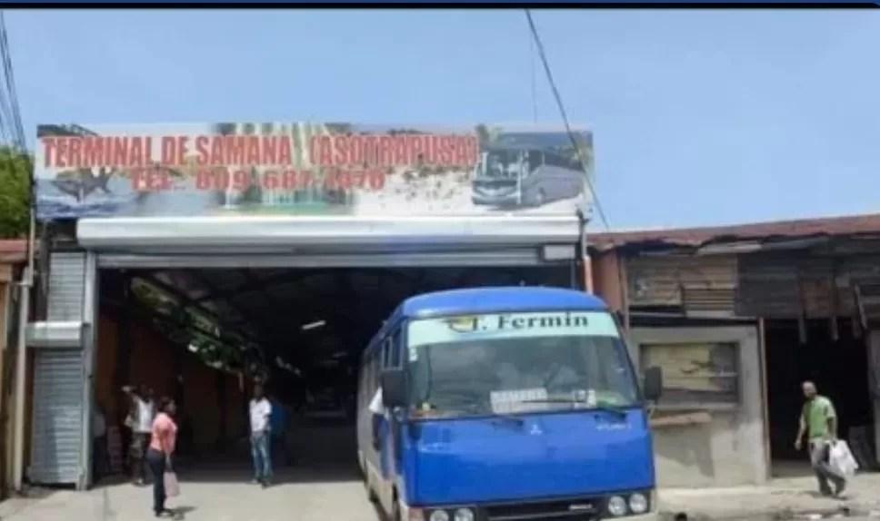 Dos hombres asaltan autobús lleno de pasajeros